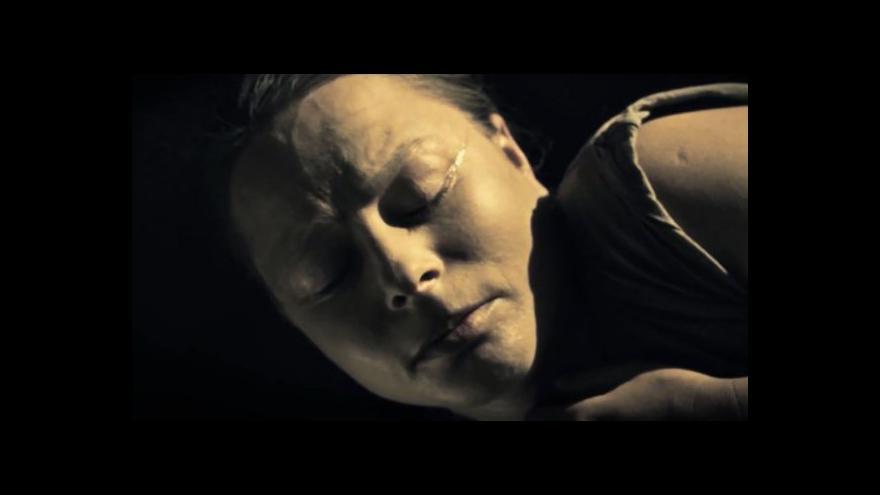 Video Divadlo Feste nastudovalo hru o domácím násilí