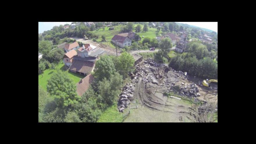 Video Trosky se vrátily stavbařům, zahynuli čtyři dělníci