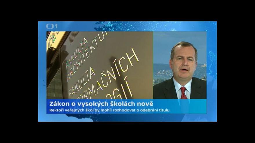 Video Rektor Tomáš Zima: Novela zákona o VŠ umožní odebírat tituly