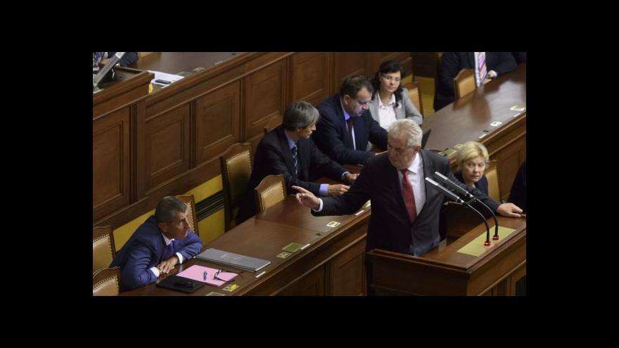 Video Prezident: Služební zákon vezmu jen bez politických náměstků