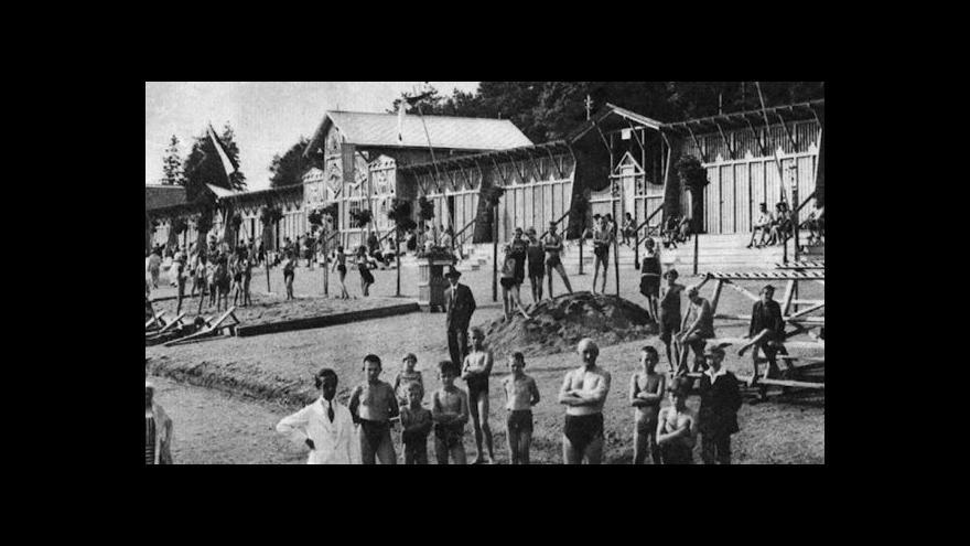 Video Prvorepublikové koupaliště Dachova se rozpadá