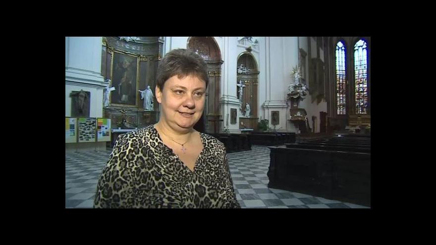 Video O církevních stavbách hovoří Martina Jandlová