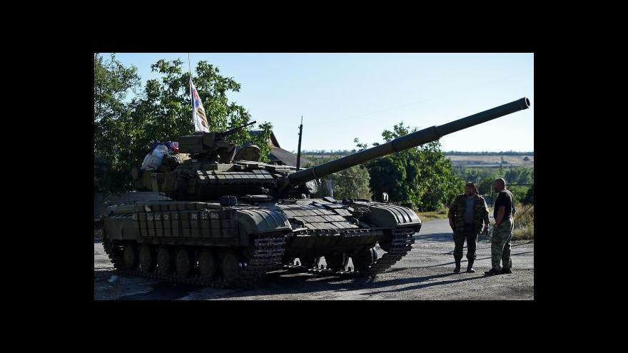 Video Rebelové slaví úspěchy, Porošenko změní vedení armády