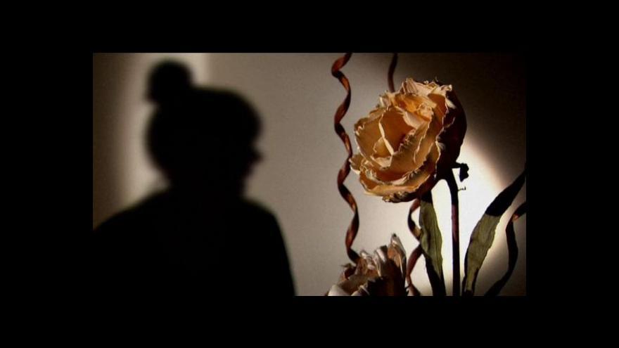 Video Skandál s hromadným znásilňováním hýbe Británií