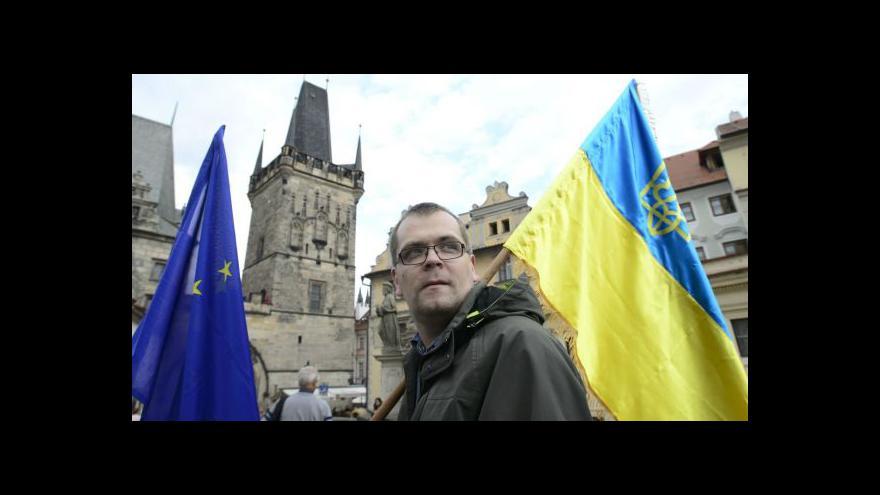 Video Ukrajinci v Praze slavili výročí nezávislosti