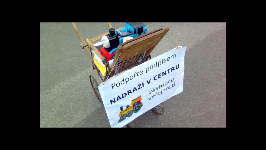 Video Petice za referendum o nádraží tématem Studia ČT24