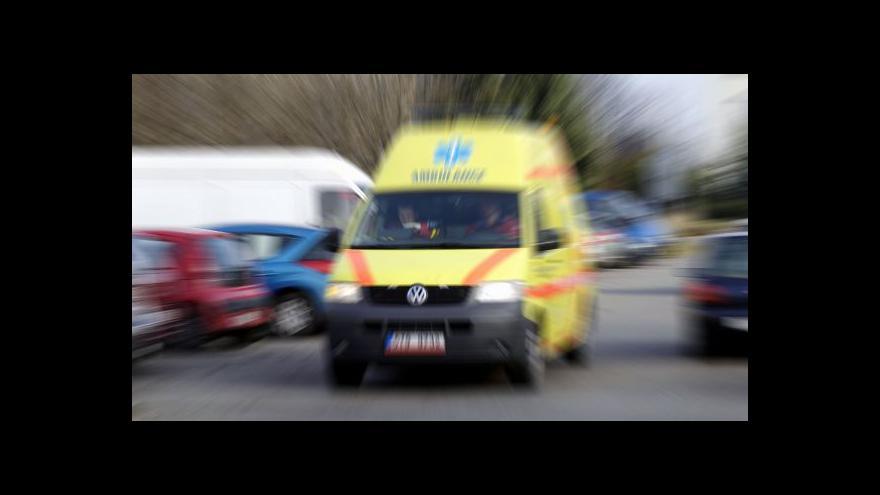 Video Dodržujte odstupy, buďte opatrní a nepanikařte, prosí záchranáři
