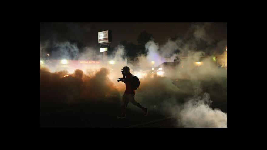 Video Nepokoje ve Fergusonu: Guvernér povolal národní gardu