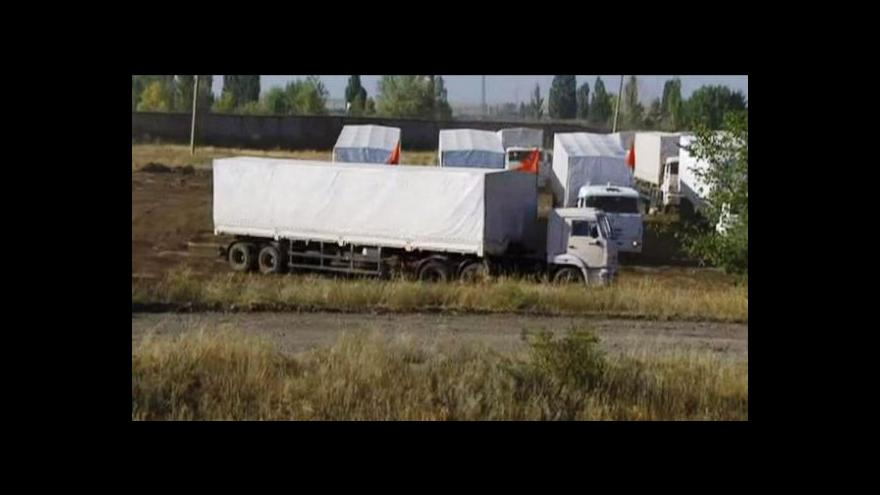 Video Kamiony s pomocí dorazily na ukrajinskou hranici