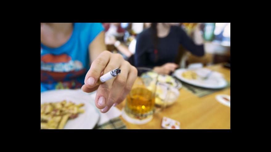 Video Zákaz kouření v restauracích má velkou šanci být přijat