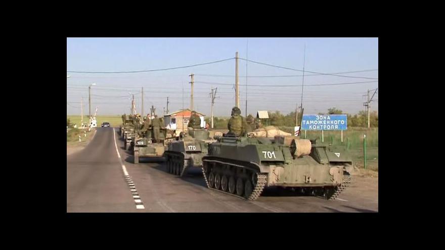 Video Ukrajina prý zničila část ruského vojenského konvoje