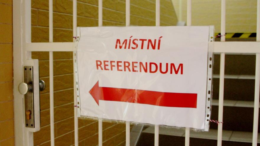 Video Události ČT: Zákonodárci se neshodují na referendu