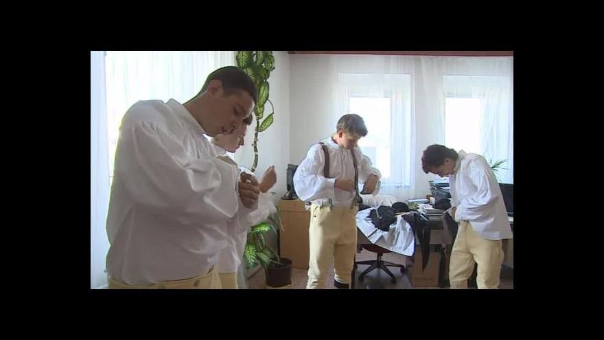 Video NO COMMENT: Vranovice obnovily tradiční kroj