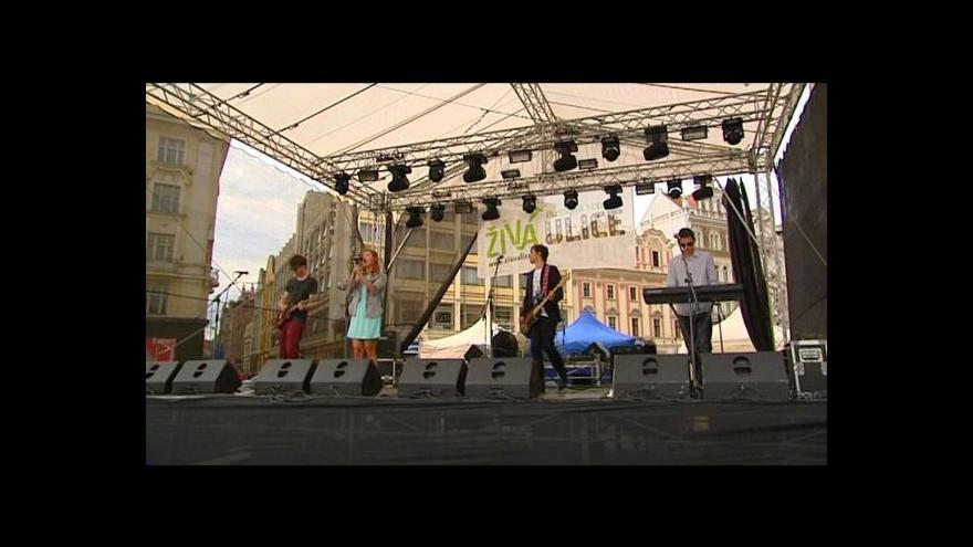 Video Plzeňské ulice žijí hudbou