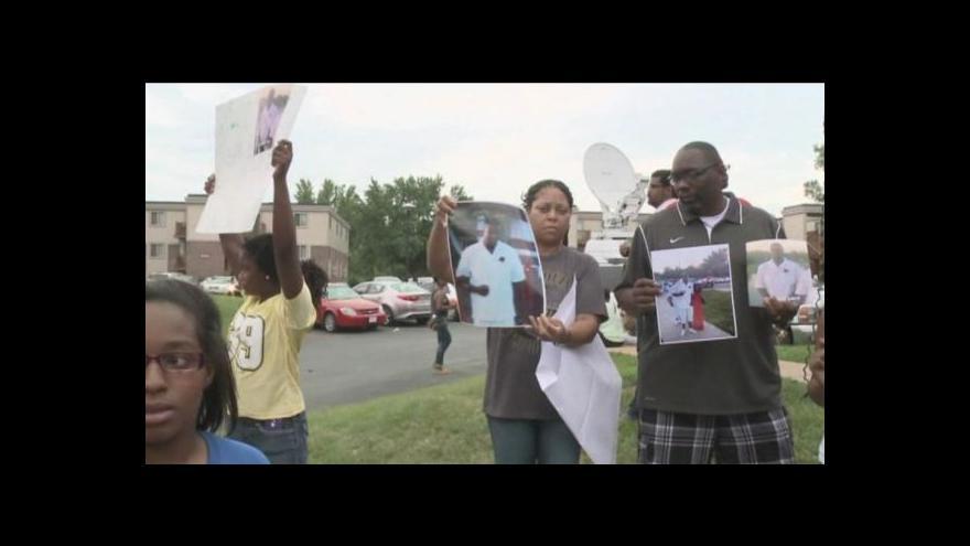 Video Smrt černošského mladíka způsobila v St. Louis nepokoje