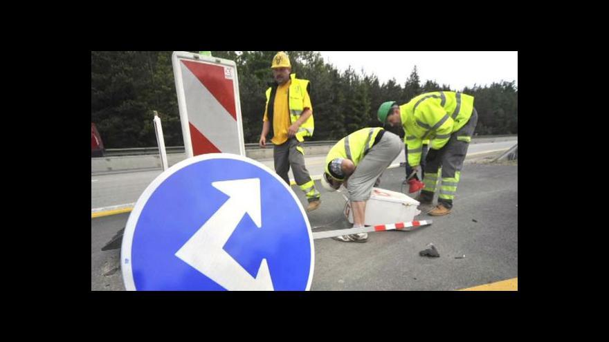 Video Odsun dokončení D1 zaskočil firmy