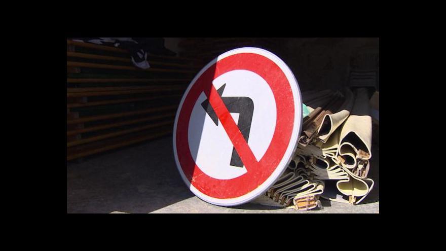 Video Soud: Zákaz odbočení v Opatovicích nemá být