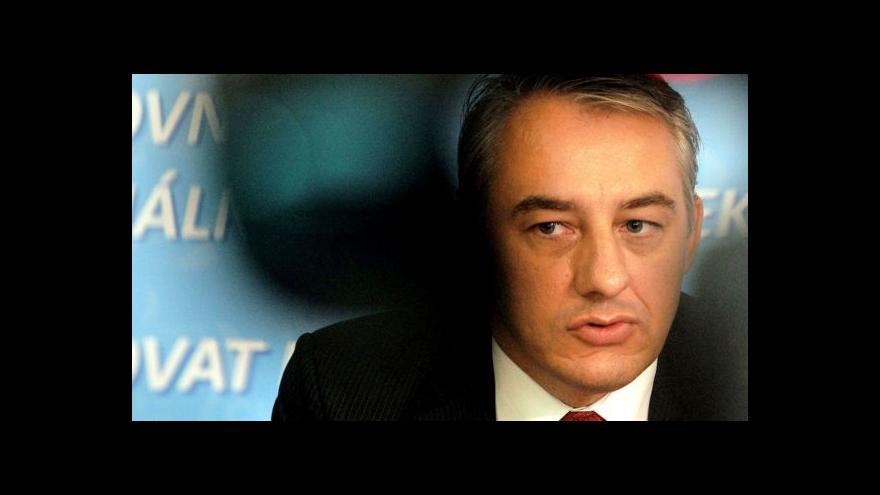 Video Služební zákon: Podle Sobotky vyhrál rozum, podle Středuly opozice