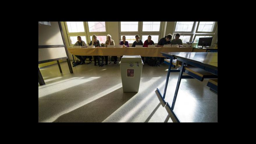 Video Události: O hlasy voličů se budou ucházet tisíce kandidátů