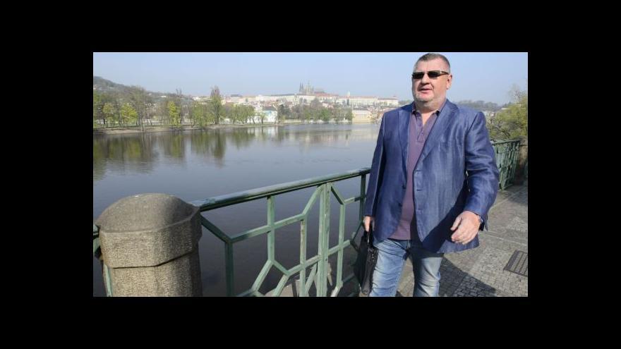 Video Události: Miliony z ČEZ šly do kasy firmy spojované s Rittigem