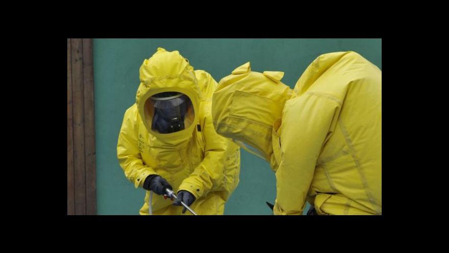 Video Opatření proti ebole: ČT nahlédla do pracovišť s nejvyšším stupněm rizika