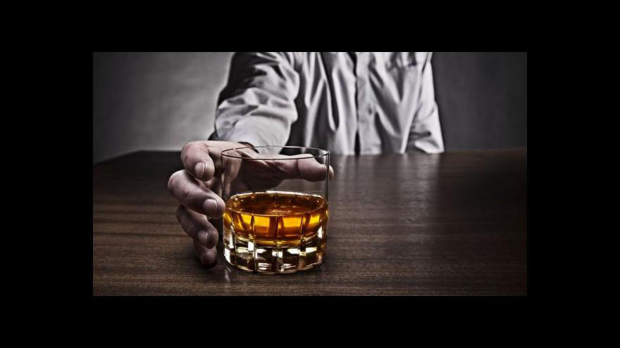Video Hi-tech novinky jako past na britské opilce