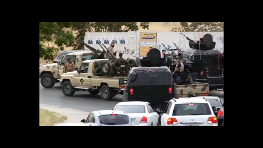 Video Komentátor Fingerland: Problémem Libye je slabá armáda