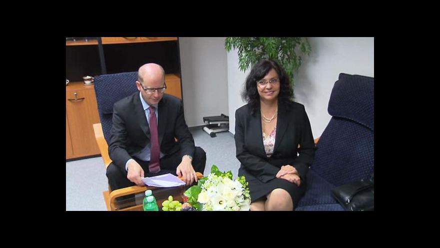 Video Premiér jednal s ministryní Marksovou