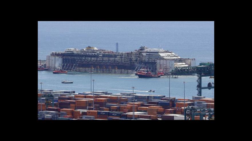Video Costa Concordia dorazila do Janova