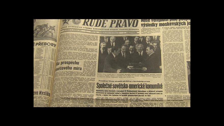 Video Československý tisk 70. let: Kritiku na Nixonovu hlavu v něm nehledejte