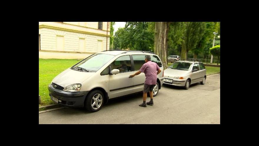 Video Úředníci odboru dopravy neplatili parkovné