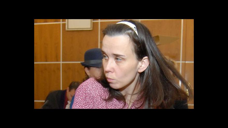 Video Soud podmínečně propustil tetu týraných chlapců z Kuřimi