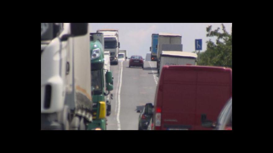 Video Silnice I/35 je přeplněná a nebezpečná