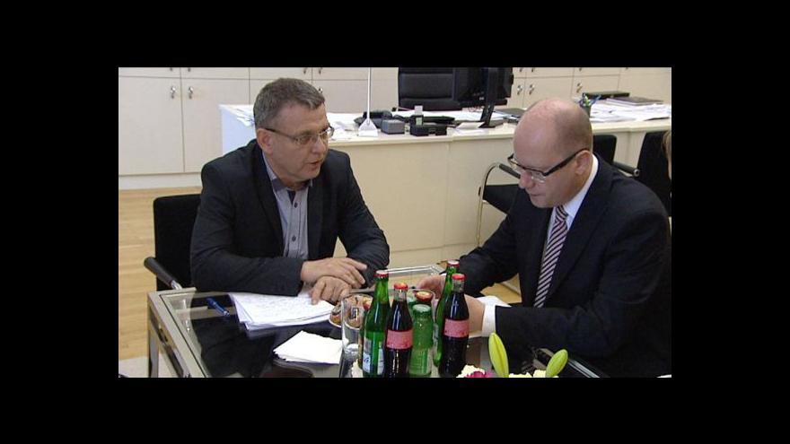 Video (Ne)spokojenost Sobotky s prací šéfa diplomacie?
