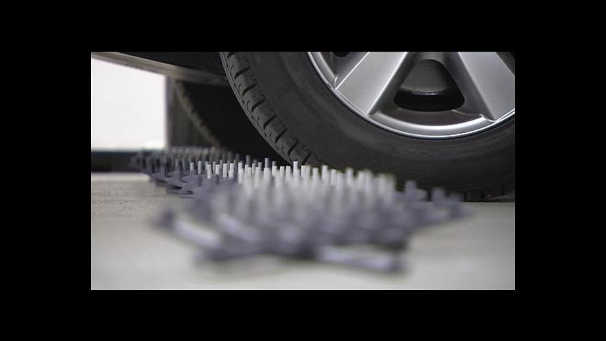 Video UDÁLOSTI: Policie chystá nákup zpomalovacích pásů