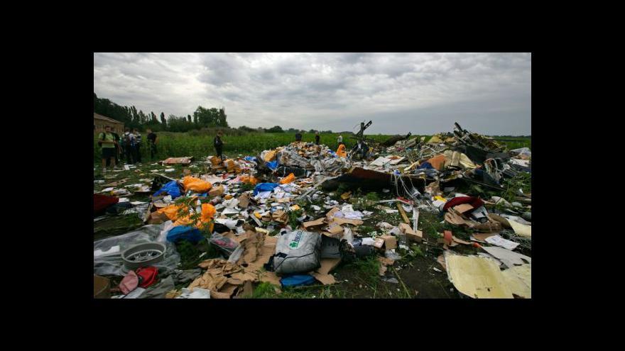 Video Svět hledá příčiny tragédie malajsijského boeingu