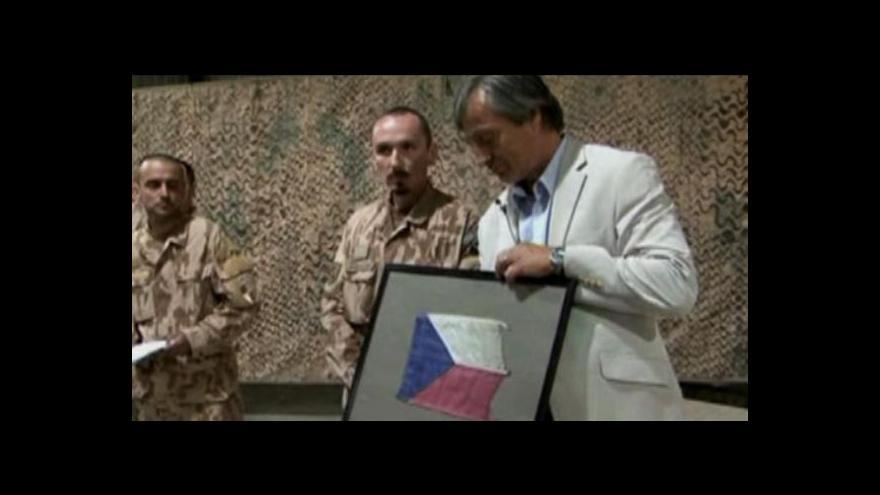 Video Armáda ČR: Ministr obrany Martin Stropnický navštívil Afghánistán