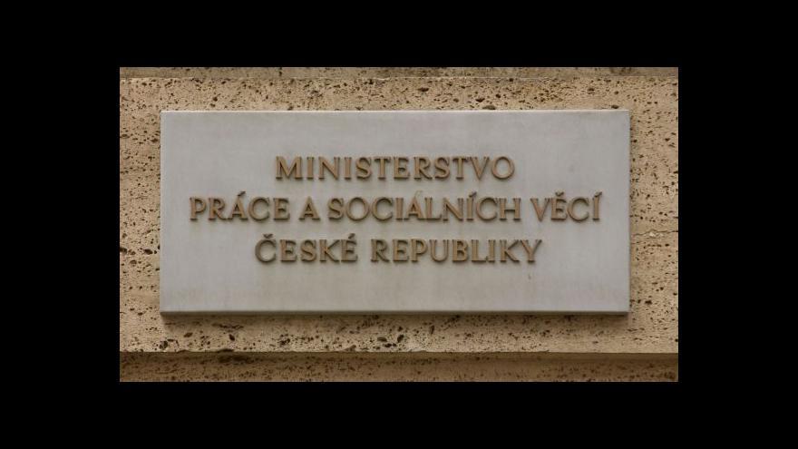 Video MPSV chce posílit inspektory práce