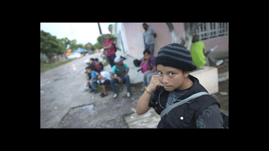 Video USA čelí přílivu dětských uprchlíků