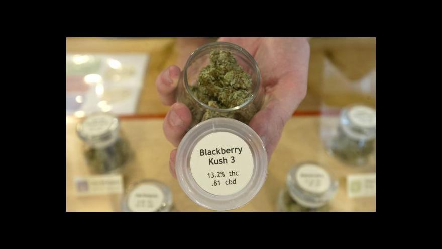 Video V Berkeley dostanou chudí lékařskou marihuanu zdarma