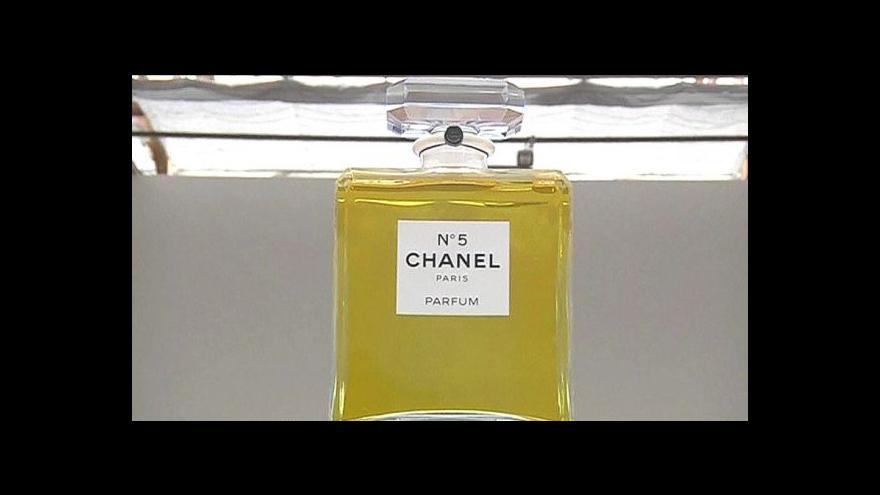 Video Komise chce zakázat některé látky v parfémech