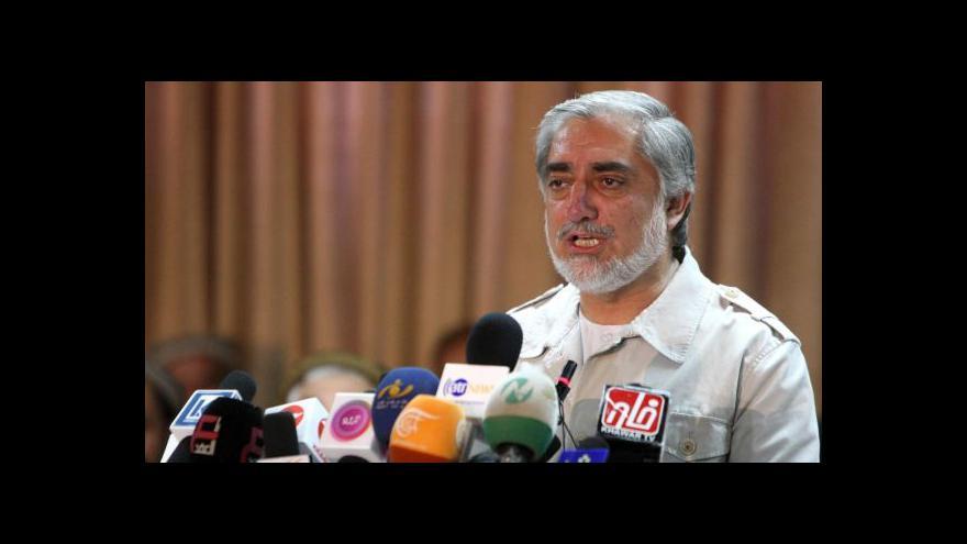 Video Abdulláh Abdulláh se prohlásil afghánským prezidentem