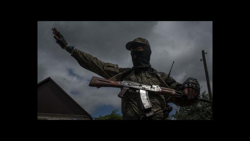 Video Většina separatistů se zřejmě stahuje do Doněcku