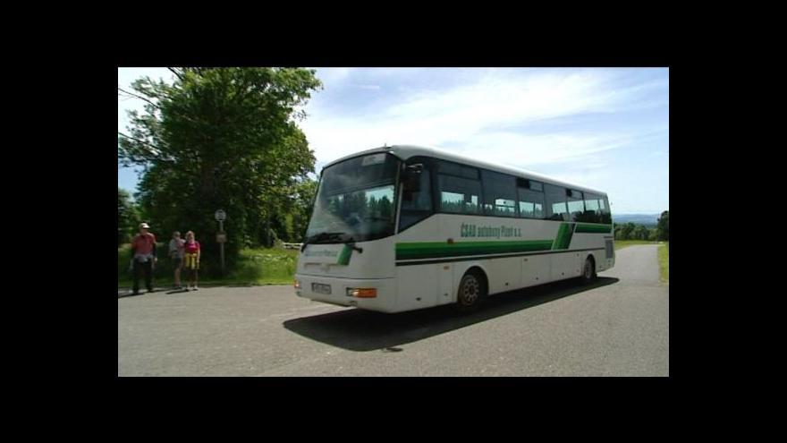 Video Šumavu brázdí zelené autobusy na bionaftu
