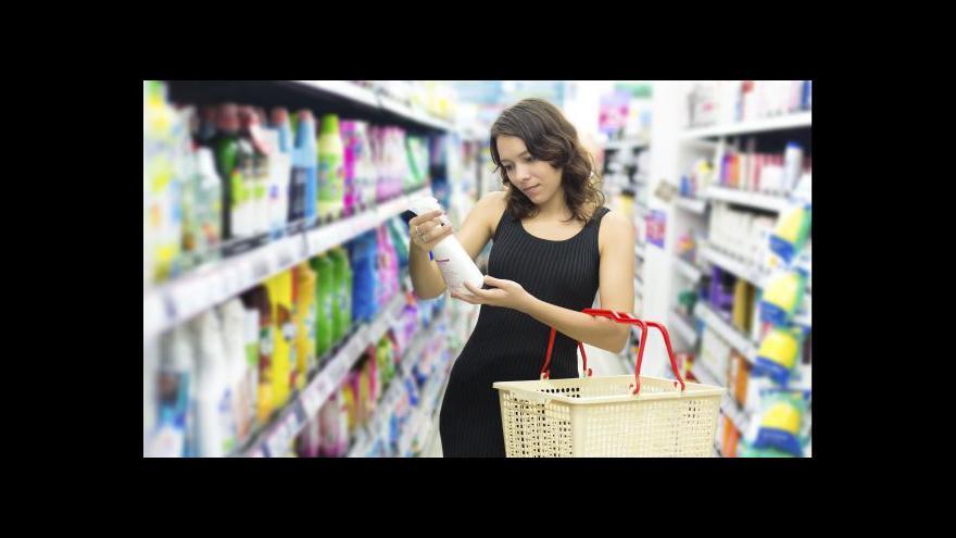 Video Češi omezili nákupy, maloobchod meziročně vzrostl jen o procento