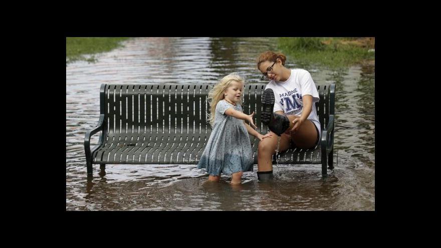 Video První letošní hurikán se ukázal slabší než varování