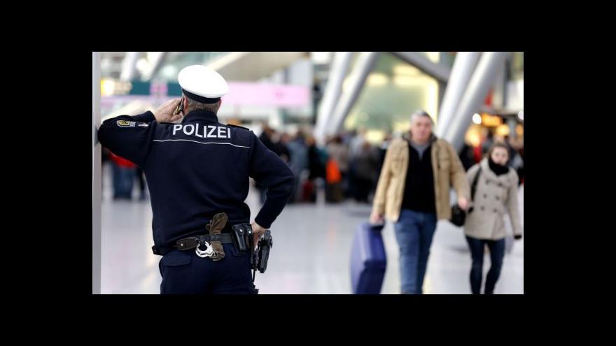 Video USA požadují přísnější kontroly na letištích