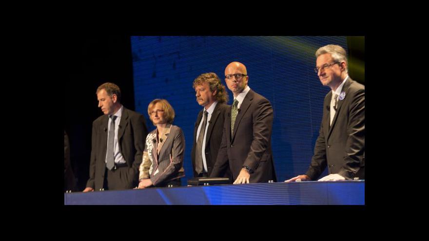 Video Reakce českých europoslanců - Schulz ano/ne