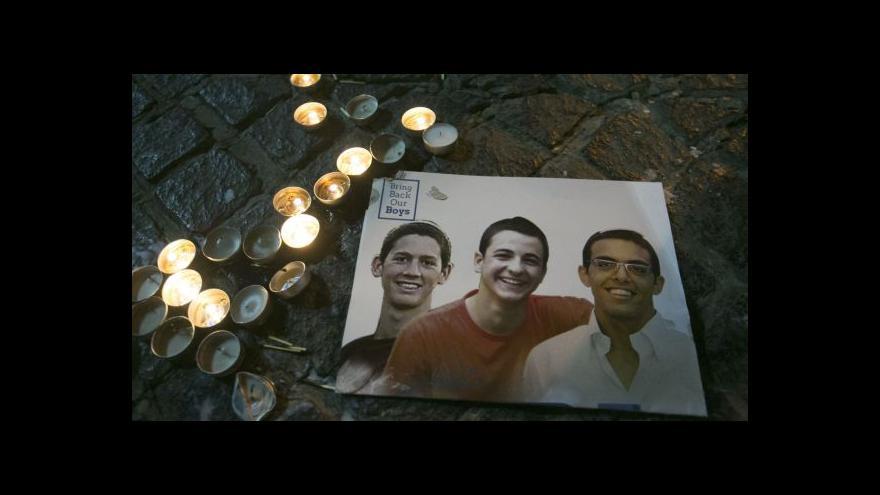 Video Izrael pohřbil zabité mladíky, plánuje pomstu