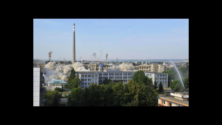Video Bez komentáře: Demolice hal OP Prostějov